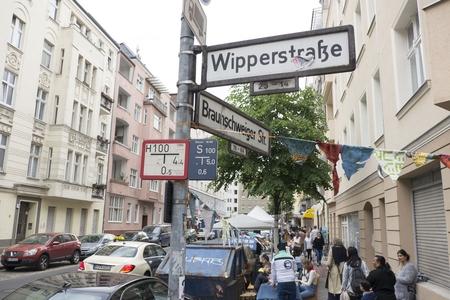 Nachbarn treffen sich Wipperstrasse