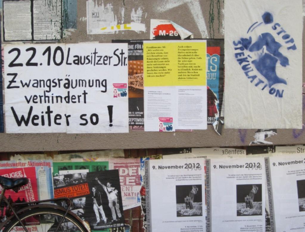 Wandzeitung gegen Zwangsräumung