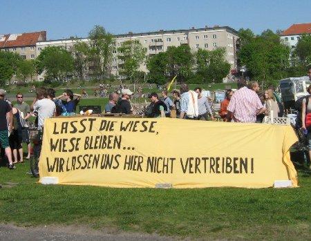 Wiese bleibt Wiese Tempelhofer Feld 28.4.2012